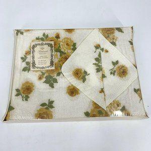 Fieldcrest 3 Piece Towel Ensemble Gift Set Yellow
